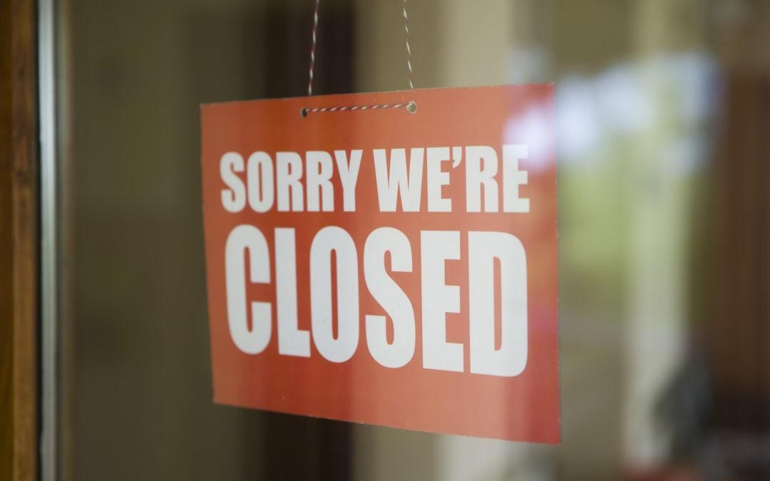 Mi empresa ha cerrado. ¿Qué derechos me pertenecen?